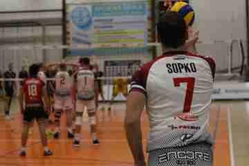 Prešovskí volejbalisti v derby zdolali Košice