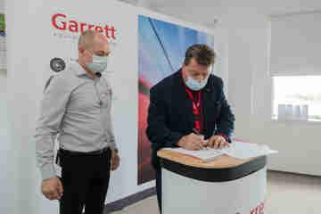 Garrett a TUKE - podpis zmluvy